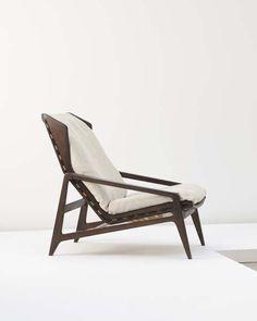 View Lounge chair by Gio Ponti sold at Design on 17 Dec 2008 New York. Design Furniture, Unique Furniture, Chair Design, Vintage Furniture, Danish Furniture, Mid Century Modern Furniture, Mid Century Modern Design, Console Design, Muebles Art Deco