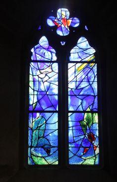 Le Saillant, in een voorbijgaand kerkje een Chagall gevonden