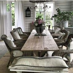 Beautiful Farmhouse Dining Room Table and Decorating Ideas