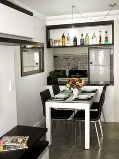 sala de jantar minuscula