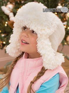 Красивая шапка ушанка спицами для девочки