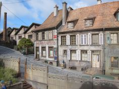 Image Val D'oise, Chamonix, Model Homes, Comfort Zone, Buildings, Mansions, House Styles, Trains, Layouts