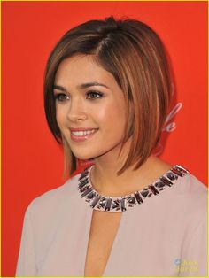 Short bob hairstyles are very popular and demanding among black women. Here we are sharing short bob hairstyles for black women 2014 pictures. Cute Hairstyles For Short Hair, Girl Short Hair, Celebrity Hairstyles, Hairstyles Haircuts, Short Hair Cuts, Bob Haircuts, Hair Girls, Hairstyles Pictures, School Hairstyles