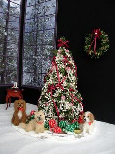 1/12 Dogs for Christmas dollhouse