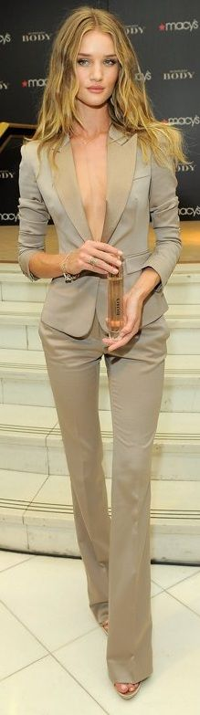 Rosie Huntington-Whiteley in Burberry suit