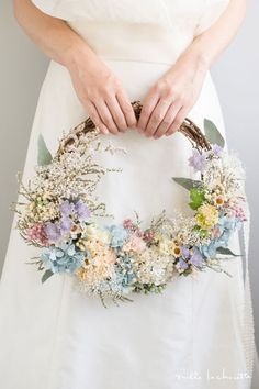 Been there, sammel that: Hochzeitsinspiration. Sunflowers And Roses, Floral Flowers, Floral Wreath, Wedding Wreaths, Wedding Decorations, Wedding Trends, Wedding Designs, Rose Wedding, Wedding Flowers
