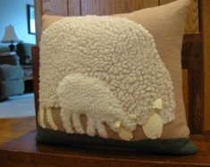 Primitive Woolly Grazing Sheep Pinkeep Mini Wool door Justplainfolk
