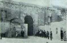 Heraklion, Gate of Jesus 1900 Heraklion, Old Maps, Crete, Vintage Photos, Mount Rushmore, The Past, Europe, Island, Mountains