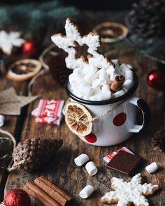merry christmas, happy holidays 🎄 on We Heart It Cabin Christmas, Christmas Mood, Merry Christmas, Celebrating Christmas, Christmas Hot Chocolate, Christmas Aesthetic, Xmas Tree, Yule, Belle Photo