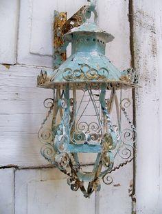 Lámpara de hierro rústica