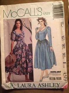 McCall's 1989 Laura Ashley Sewing Pattern Model 4319, Size 8 #McCall #Size8