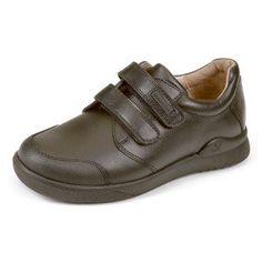 Zapatos colegiales marrones con refuerzo muy discreto recomendados por la AEP