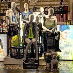 Instagram media by egomaniquies - #egomaniquies #gef #maniquies #manequins #vitrinismo #escaparatismo #visualmerchandising