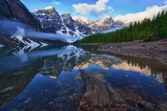 Great Location: Canadian Rockies, Banff National Park, Moraine Lake