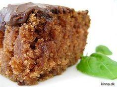 Himmelsk lækker og svampet kanelkage med cremet kakaoglasur