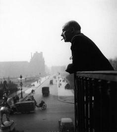 Francis Ponge au balcon d'Action | Paris 1945 |¤ Robert Doisneau | 17 mai 2015 | Atelier Robert Doisneau | Site officiel