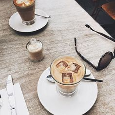 Tuesday's time for a coffee with a friend. Image taken by Melbourne's own Fashion Blogger Jessica Alizzi