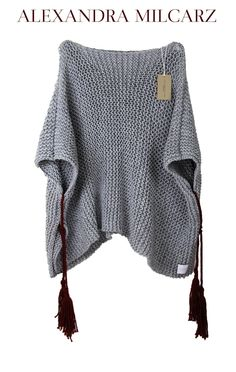 One piece is ready to go! This chunky knit poncho was made of best quality, grey wool and acrylic yarn with burgundy fringles. This is pefect friend for cozy time at Your cabin in the wood, mountains or countrysides. Of course You can wear it casual Poncho Pullover, Grey Poncho, Poncho Sweater, Knitted Poncho, Crochet Cardigan, Crochet Shawl, Knit Crochet, Chunky Crochet, Thick Sweaters