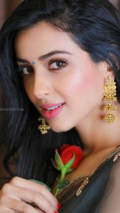 Beautiful Girl In India, Most Beautiful Faces, Beautiful Girl Image, Beautiful Women, Cute Beauty, Beauty Full Girl, Beauty Women, Beautiful Bollywood Actress, Most Beautiful Indian Actress