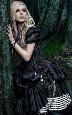 See the latest images for Avril Lavigne. Listen to Avril Lavigne tracks for free online and get recommendations on similar music. Lady Like, Fashion Fantasy, Gothic Fashion, Steampunk Fashion, Abbey Dawn, Gothic Girls, Gothic Lolita, Dark Black, Avril Lavingne