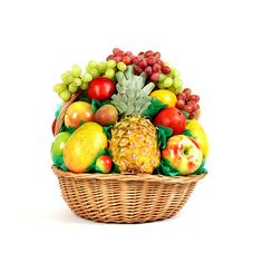Diwali Gifts in Mumbai Fresh Fruit Tart, Dried Fruit, Best Fruits, Healthy Fruits, Fresh Fruit Delivery, Fruits Online, Fruit Shop, Diwali Gifts, Fruit Arrangements
