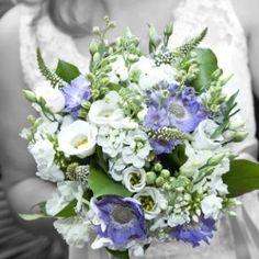 bruidsboeket blauw-wit