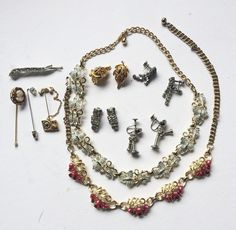 e7a71968eb Sarah Coventry Jewelry Lot Necklaces