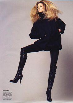 'Blow Up' American Vogue, July 2006 Model: Gisele Bundchen Photographer: David Sims