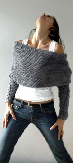 Knitted-I love this.reminds me of the knitted sleeves the Scots wear on Outlander. Look Fashion, Diy Fashion, Autumn Fashion, Womens Fashion, Fashion Outfits, Fashion Models, Fashion Shoes, Fashion Trends, Looks Style