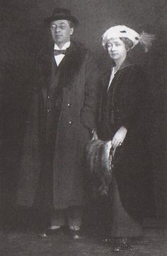 El pintor Kandinsky junto a su amante, la  pintora y fotógrafa Gabriele Münter