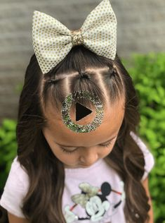 Simple and cute hairstyles for toddler or little girls with medium to long hair. From braids and twists to half up ponies, there's something unique for all #simplehairstyles