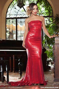 Visit the link to undress Yesenia Bustillo at http://clickNstrip.com.