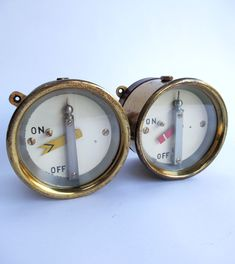 Pair GNR brass cased signal repeaters