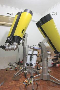 Home made big binocular - Binoculars - Photo Gallery - Cloudy Nights Diy Telescope, Astronomical Telescope, Cloudy Nights, Electron Microscope, Camera Equipment, Stargazing, Cool Toys, Galaxies, Photo Galleries
