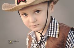 cowboy / photo ideas /boys outfits session ideas