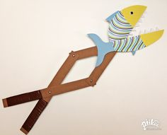 Chomping Fish Toy. An Original #kids #craft by www.piikeastreet.com #piikeastreet
