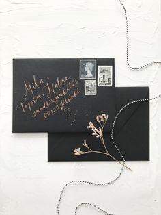 Dramatic ebony black envelopes with bronze metallic address calligraphy for modern scandinavian wedding invitations Nordic Wedding, Scandinavian Wedding, Calligraphy Envelope, Modern Calligraphy, Luxury Wedding, Boho Wedding, Invites, Wedding Invitations, Black Envelopes