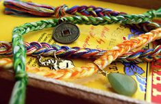 Friendship bracelets have come a long way since our playground days. Check out this collection of 8 Fabulous Friendship Bracelet Patterns and see!