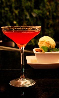 Drink Crazy Cobbler (R$ 24,90) do Tony Roma's (Avenida Lavandisca, 717 - Moema). Mais informações, pelo telefone (11) 3807-0717