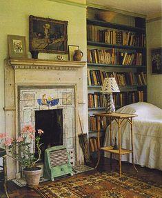 Virginia Woolf's bedroom  (via booklover.tumblr.com)