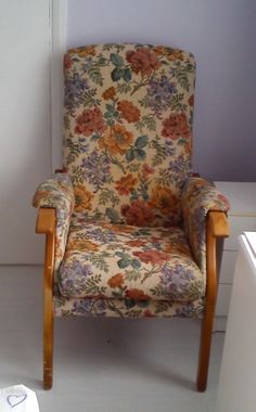 Tapestry Fireside Chair with OAK Wood and Floral leafy design Wingback Chair, Armchair, Sofas, Accent Chairs, Tapestry, Wood, Floral, Furniture, Beautiful