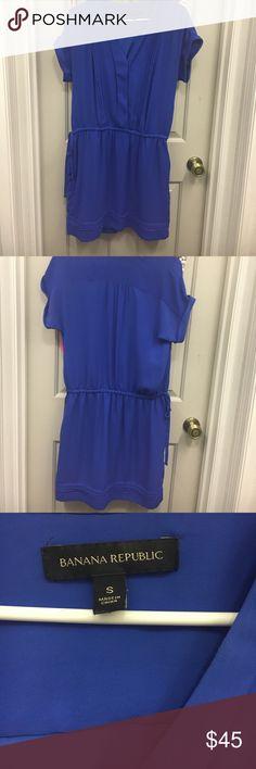 Beautiful Banana Republic dress! Cute royal blue banana Republic dress! It can be dressed up or down! Like new just worn a couple times. No visible signs of wear. No stains. Banana Republic Dresses Mini
