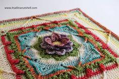 Crochet Flower Squares, Crochet Blocks, Crochet Motif, Crochet Flowers, Crochet Stitches, Free Crochet, Crochet Patterns, Crochet Granny, Mandala Crochet