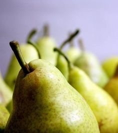 Riscopriamo il potere della frutta: 5 benefici delle pere - Ambiente Bio