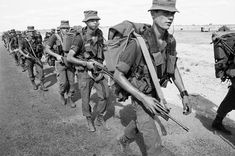 The lingering, unspoken pain of white youth who fought for apartheid Military Careers, Military History, Military Art, End Of Apartheid, Military Archives, Conscientious Objector, Army Day, My Heritage, White Man