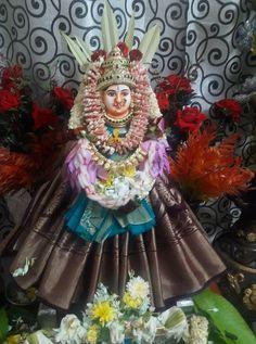 Tulsi Vivah, Goddess Lakshmi, Flower Decorations, Captain Hat, Lord, Hats, Universe, Floral Decorations, Hat