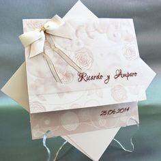 Invitaciones de boda cardnovel http://www.voydebodas.com
