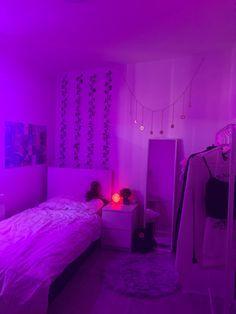 Cute Bedroom Decor, Neon Bedroom, Room Design Bedroom, Bedroom Decor For Teen Girls, Girl Bedroom Designs, Teen Room Decor, Room Ideas Bedroom, Hippie Bedroom Decor, Bohemian Bedroom Design