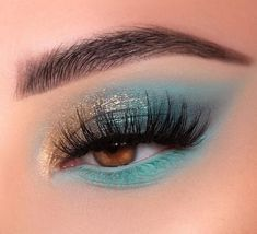 Check out some of the most amazing eyeshadow and makeup looks from super talented makeup artists. Makeup Eye Looks, Cute Makeup, Pretty Makeup, Skin Makeup, Eyeshadow Makeup, Nyx Lipstick, Cheap Makeup, Amazing Makeup, Crazy Makeup