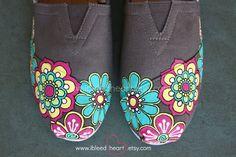 Flor retro personalizados pintados TOMS Shoes por ibleedheART